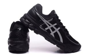 Asics Gel Kayano 22 (Black/Silver) черные 40-44
